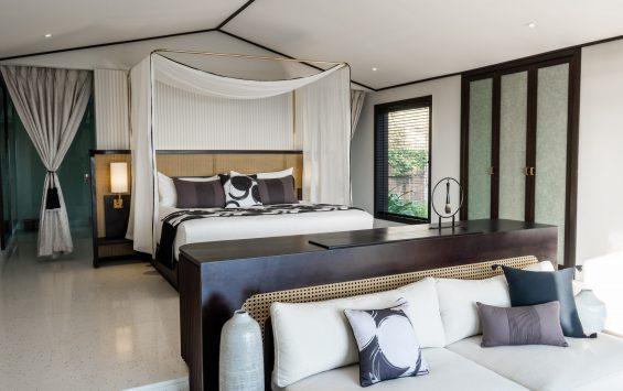 Three Bedroom Pool Villa (Ocean Front) - Master Bedroom